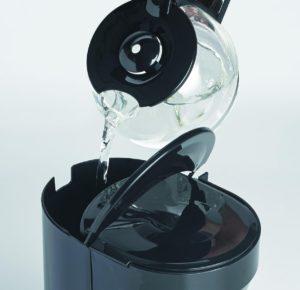 PerfectCoffee-MC-052-054-pour-water