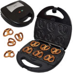 Syntrox SM-1300W Mini Soft Pretzel Mini Brezel Maker mit Backplatten
